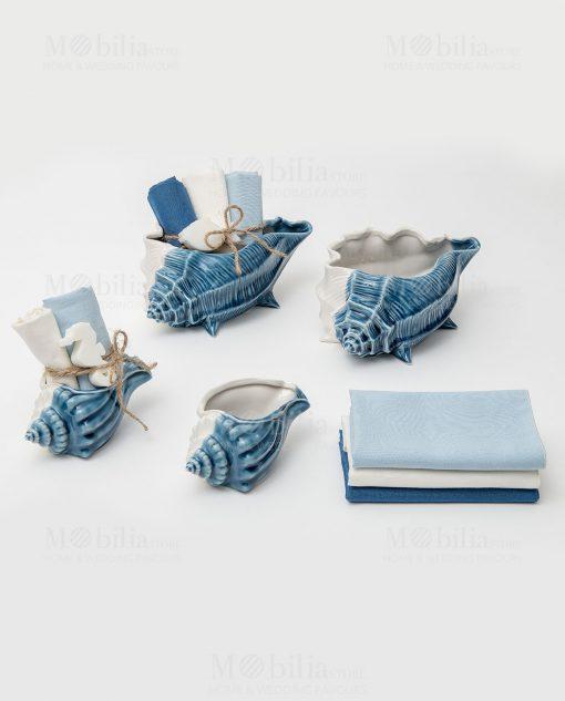 conchiglia porcellana bianca e blu grande e piccola con salviette avri colori con saponetta linea oceano ad emozioni