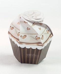 cupcake cartoncino tortora con cuori 1