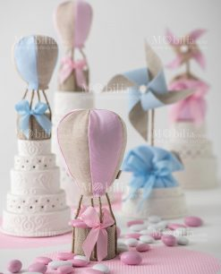 mongolfiera azzurra e rosa girandola azzurra e rosa linea baby balloon foto ambientata ad emozioni