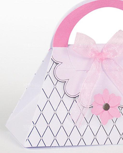 scatola a forma di borsetta con rombi e fiore rosa