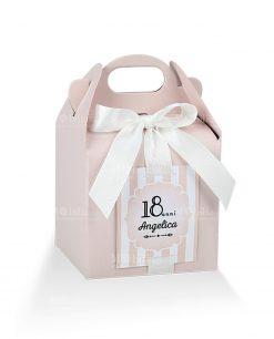 scatola cartoncino rosa a forma di scrigno