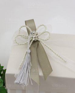 scatola spacco bicolore a righe con cordoncino nappina e croce