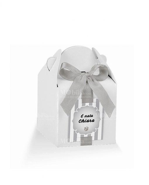 scatolina a scrigno bianca e targhetta prefustellata