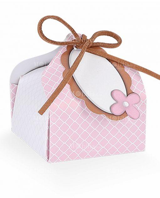 scatolina bignè rosa con decori a rombi