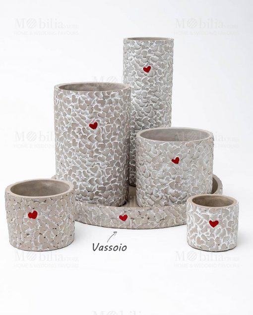 vassoio cemento con cuoricino rosso linea cuoricini ad emozioni