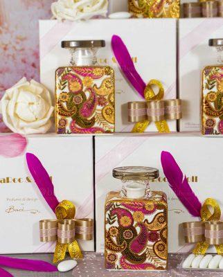 bomboniera bottiglia profumatore kate confezione maria antonietta con piuma baci milano