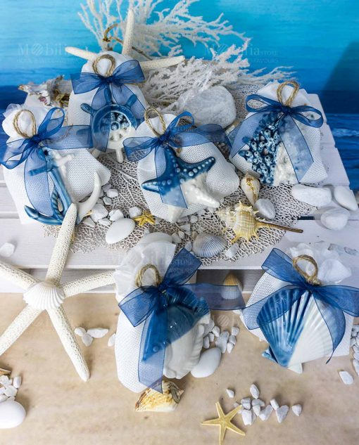 bomboniera pendente tema mare linea summer ad emozioni su sacchetto bianco con cordoncino