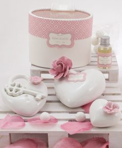 bomboniera profumatore cuore con fiore ceramica rosa linea blush rdm design