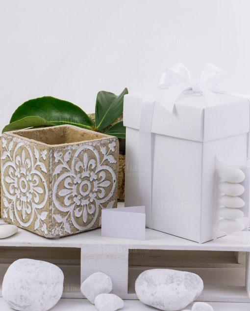 bomboniera vaso cemento medio con scatola e fiocchi linea casablanca ad emozioni