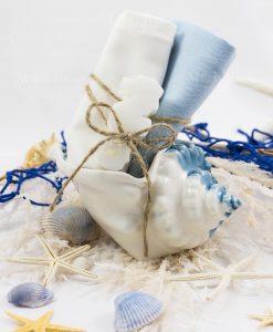 conchiglia piccola con 2 salviette bianca e azzurra con saponetta linea oceano ad emozioni