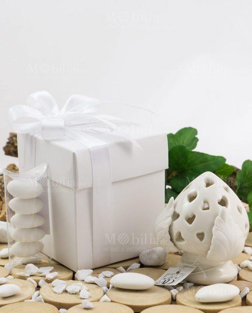 pigna led grande con scatola cartoncino bianco con tubicino confetti confezionata linea liberty ad emozioni