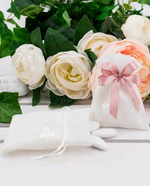 sacchettino portaconfetti bianco con ricami floreali
