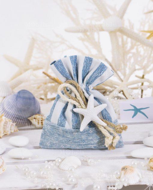 sacchetto portaconfetti bianco e azzurro con stella marina e confetti