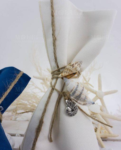 tovaglietta americana con bordino spago con ciondolo metallo argentato con conchiglie naturali ad emozioni
