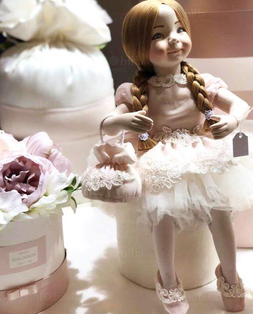 bambolina porcellana capodimonte con treccie e borsetta linea prima ballerina rdm design