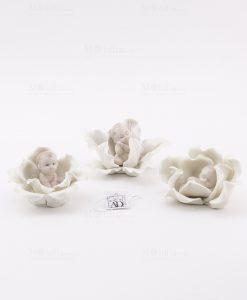 bimbo su fiore 3 modelli assortiti porcellana linea baby flower ad emozioni