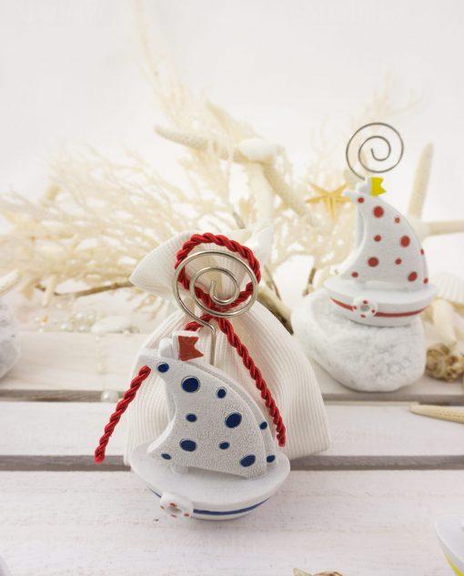 bomboniera barchetta a vela portamemo su sacchetto bianco con corda rossa