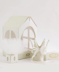 bomboniera basic corona con nastri avorio con scatola a forma di casetta e portaconfetti linfinito