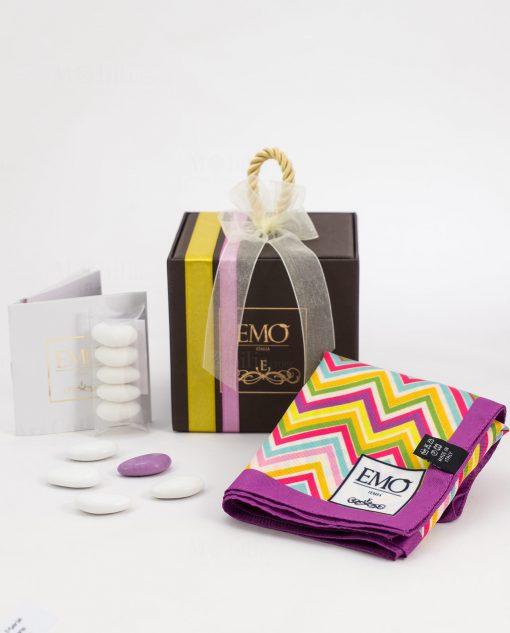 bomboniera con doppi nastri e certificato autenticità foulard con bordo viola art collection linea optical emò italia