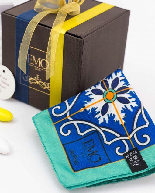 bomboniera foulard con doppi nastri e targhetta art collection linea azalejos emò italia