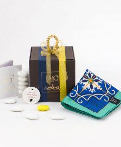 bomboniera-foulard-con-nastro-blu-e-nastro-giallo-art-collection-linea-azulejos-emò-italia