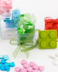 bomboniera scatolina portaconfetti lego vari colori con smarties cuoricino