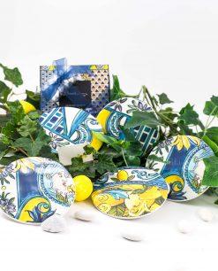 bomboniera sottobicchiere con scatola fiocco blu decori assortiti set da 6 linea baroque and rock sicily blu baci milano