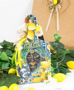 bomboniera tagliere baroque and rock sicily blu baci milano con sacchetto portaconfetti juta e busta con limone