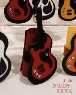 chitarra colori assortiti su pergamena portaconfetti cartoncino linea music rdm design