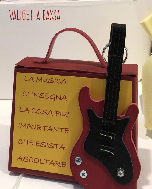 chitarra su valigetta bassa vari colori linea music rdm design
