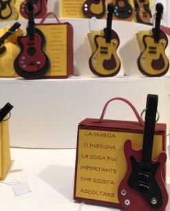 chitarra su valigetta colori assortiti linea music rdm design
