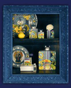diffusori di fragranza con fiore e profumo piatto con testa di moro linea baroque and rock sicily blu baci milano