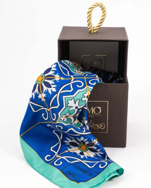 foulard blu azzurro e giallo con decoro mattonella con scatola art collection linea azalejos