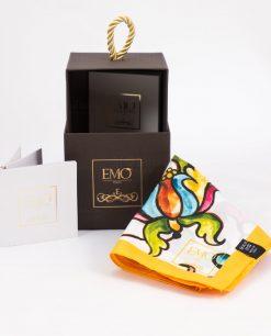 foulard giallo con motivi floreali con scatola e certificato autenticità art collection linea costiera emò italia