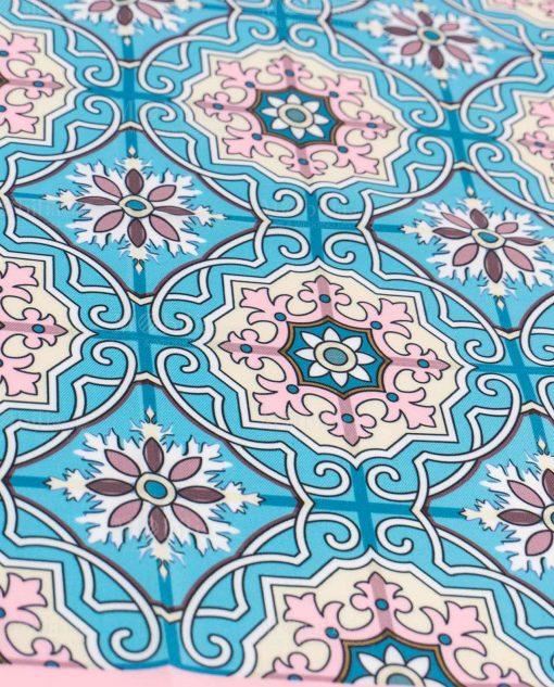 foulard rosa e celeste con secori floreali mattonella art collection linea maiolica emò italia