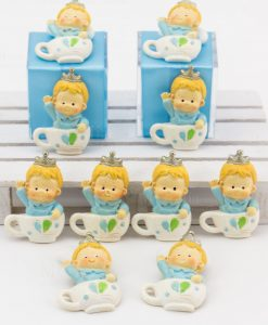 magnete bambino con corona dentro tazza