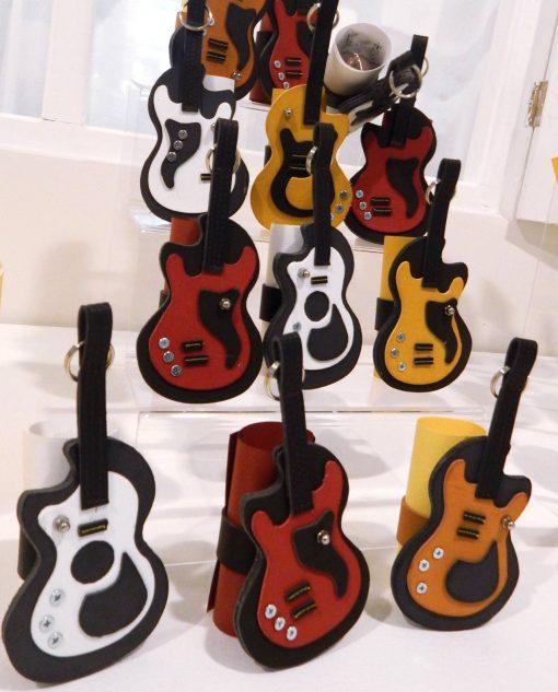 pergamena portaconfetti assortita nei colori con chitarra linea music rdm design