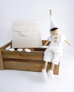 pinocchio legno artigianale con cappello e papillon bianco con bag cherry and peach
