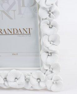 portafoto bianco con fiori brandani