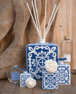 profumatore quadrato blu e bianco varie misure con fragranza linea sapori e profumi baci milano