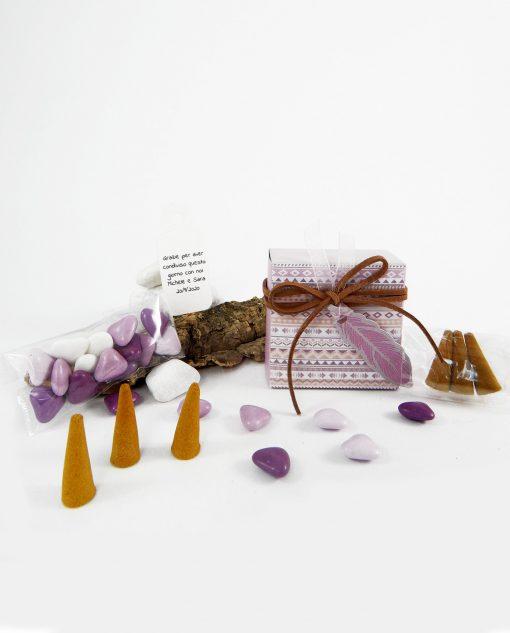 scatola portaconfetti viola con incensi