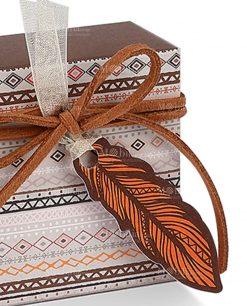 scatolina decori tribali e piuma cartoncino marrone e arancio
