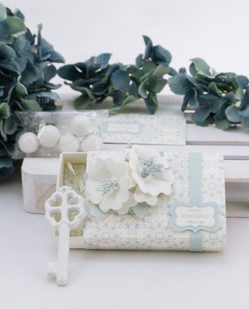 scatolina portaconfetti con confetti blisterati con fiori e chiave porcellana linea sweet memory rdm design