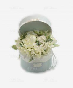 scatolina rotonda portaconfetti bianca e azzurra con fiori linea sweet memory rdm design