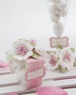 scatolina trasparente portaconfetti con fiori bianchi linea blush rdm design