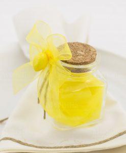 segnaposto barattolo vetro con tappo sughero con saponetta limone e fiocco a 4 giallo