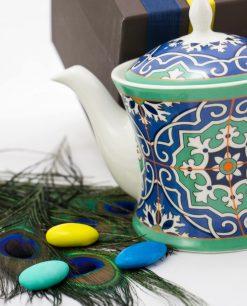 teiera art collection con stampe con piuma pavone e confetti linea azulejos emò