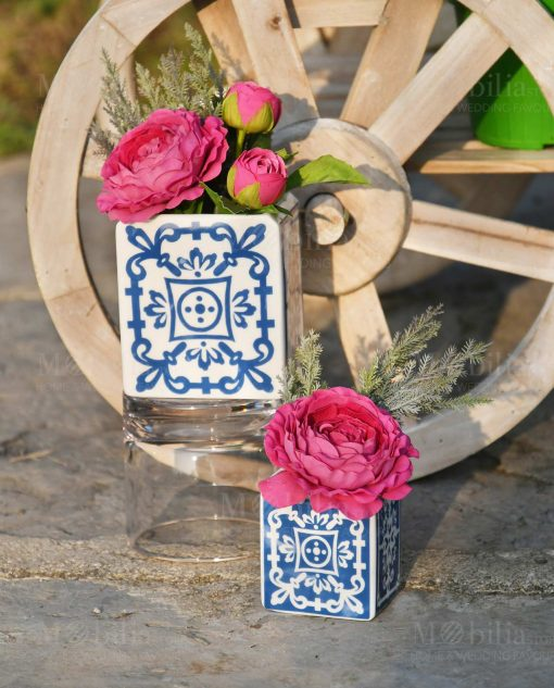 vasi porcellana piastrelle blu con bouquet linea sapori e profumi blu baci milano
