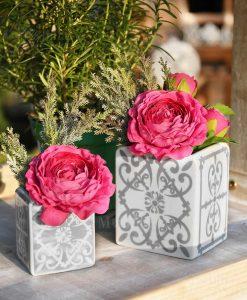 vasi porcellana piastrelle grigio e bianco con bouquet linea sapori e profumi grey baci milano