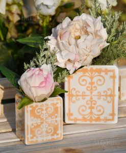 vasi porcellana piastrelle pesca con bouquet linea sapori e profumi color pesca baci milano